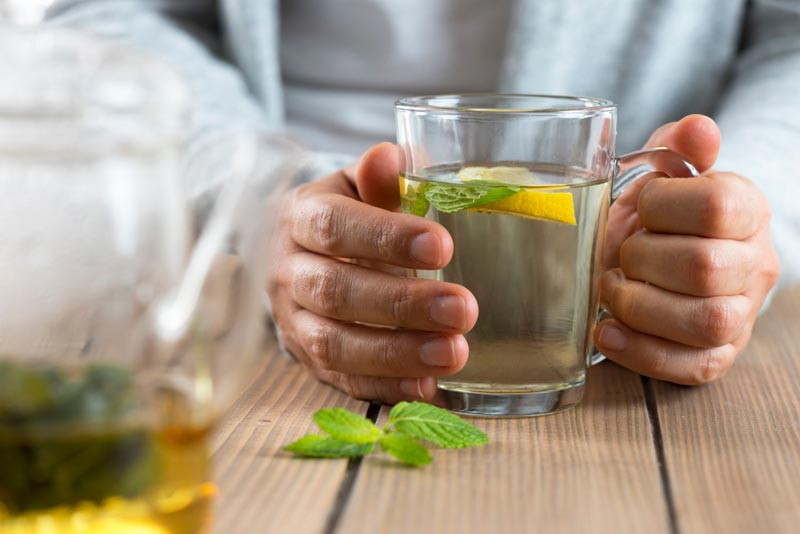 نوشیدن دمنوش نعناع
