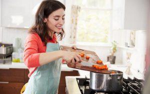 پختن غذا در خانه