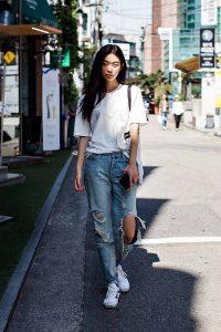 استایل تابستانی با رنگ سفید و شلوار جین