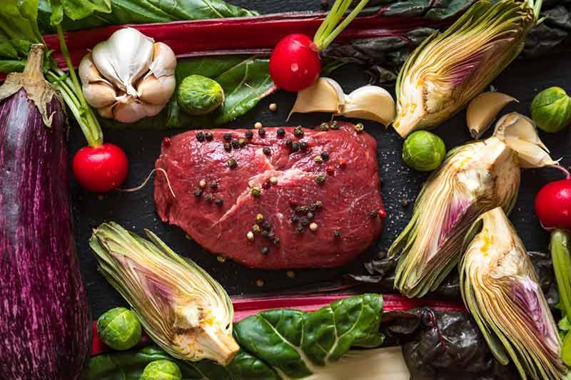 استیک و سبزیجات